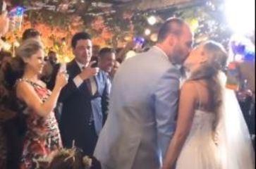 Eduardo Bolsonaro e Heloísa Wolf se casam no Rio