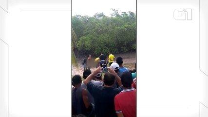 Vídeo mostra resgate de uma das vítimas de avião que caiu com cantor Gabriel Diniz