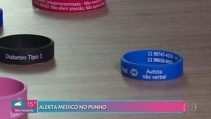 Pulseiras de silicone trazem alertas médicos