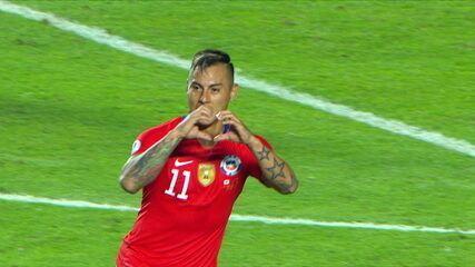 Veja o primeiro gol de Vargas contra o Equador