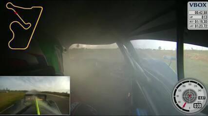 Incêndio no carro de Marcelo Vianna na etapa de Santa Cruz do Sul do Endurance Brasil