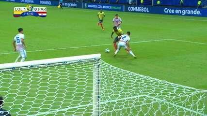 Veja passe de três dedos de James para gol de Díaz; lancel foi anulado