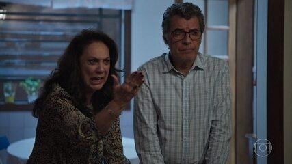 Rania acusa Jamil de dar um golpe em Miguel