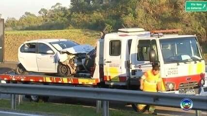 Acidente dentre carro e caminhão deixa feridos na rodovia Raposo Tavares em Sorocaba