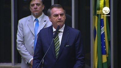 'Se está sendo criticado é sinal de que é a pessoa adequada', diz Bolsonaro
