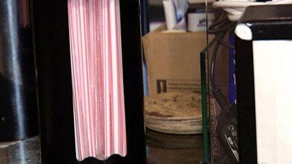Comerciantes relatam resistência de alguns clientes a canudos de papel reciclável