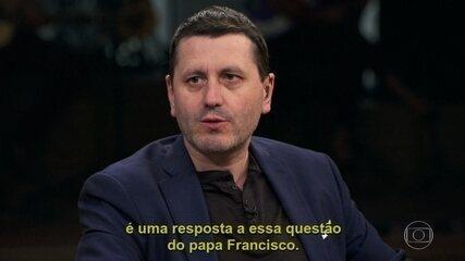 O jornalista Frédéric Martel fala de seu livro, 'No Armário do Vaticano'