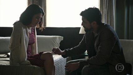 Jamil e Laila conversam sobre o filho que Dalila espera