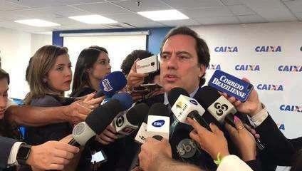 O presidente da Caixa, Pedro Guimarães, fala sobre horário de antedimento na Caixa