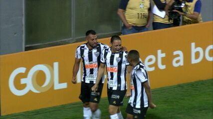 Gol do Atlético! Ricardo Oliveira bate no canto e amplia, aos 5' do 2º tempo