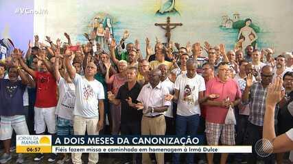Devoção: centenas de fiéis prestam homenagem à Irmã Dulce na Cidade Baixa