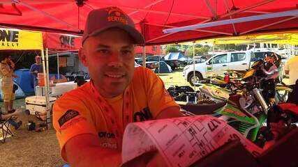 Cristian Constantini, piloto da corajosa categoria Self, onde o piloto não pode receber ajuda externa.
