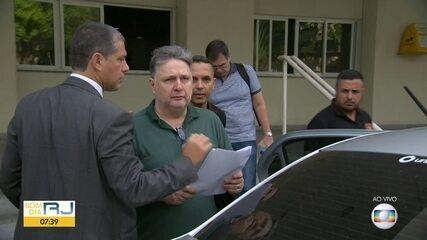 Garotinho e Rosinha Garotinho chegam à Cidade da Polícia