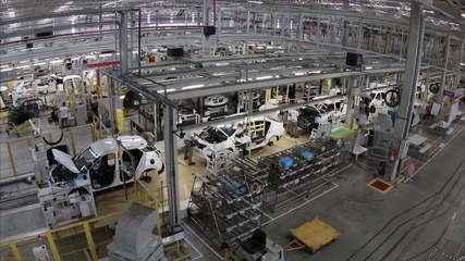 Produção industrial recua 0,3% em julho, diz IBGE