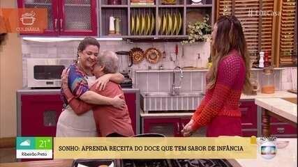 Palmirinha faz surpresa para neta boleira no 'É de Casa'