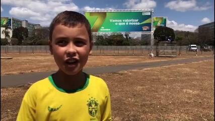 Menino que acompanhou Bolsonaro no 7 de Setembro: 'Melhor desfile da minha vida'