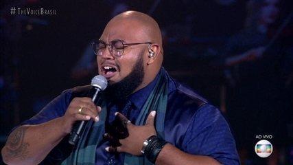 """Élri Él canta """"A Song For You"""""""