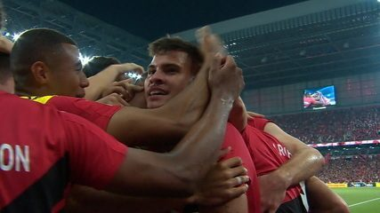 Gol do Athletico-PR! Ruben deixa Bruno Guimarães na cara do gol, que finaliza e abre o placar, aos 12' do 2º tempo