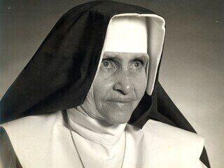 Acompanhe a cerimônia de canonização de Irmã Dulce na GloboNews
