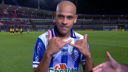 Em 2019, Carlinhos fez belo gol contra o Ceará no Brasileirão