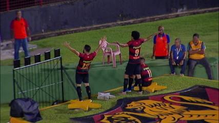Gol do Sport! Guilherme tabela com Hernane e enche o pé para ampliar o marcador aos 36' do 2º tempo