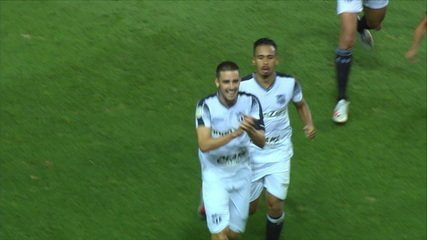 Gol do Ceará! Thiago Galhardo converte pênalti marcado em cima de Felippe Cardoso, aos 42' do 1º tempo