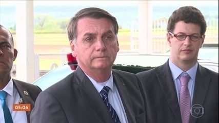 "Fala de Bolsonaro para apoiador sobre ""esquecer o PSL"" expõe racha no partido"