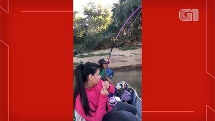 Mulheres em MS superam preconceito e 'dão aula' de pesca esportiva