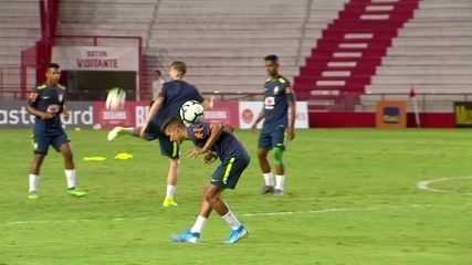 Pedrinho dá show de habilidade em treino da seleção sub-23 nos Aflitos