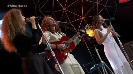"""Anavitória e Vitor Kley cantam """"Pupila"""""""