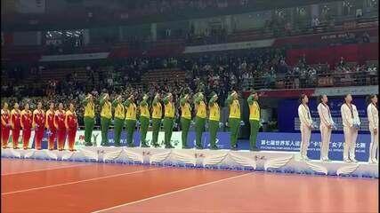 Seleção feminina de vôlei recebe a medalha de ouro nos Jogos Mundiais Militares