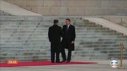 Comitiva de Bolsonaro chega para se reunir com o presidente chinês