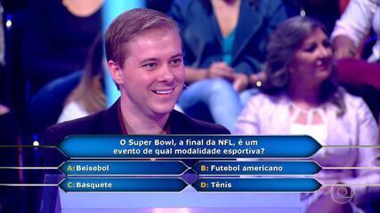 Quem Quer Ser Um Milionário: João Riel tenta conquistar o prêmio de 1 Milhão