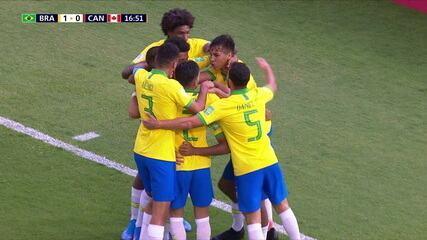 Gol do Brasil! Gabriel Veron chega na linha de fundo e toca para João Peglow, que abre o placar, aos 16' do 1º tempo