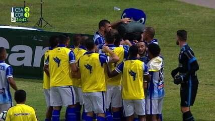 Contra o Corinthians, Ricardo Bueno cabeceia livre para ampliar aos 34' do 2º Tempo