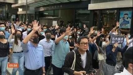 Estudante de 22 anos morre durante protestos em Hong Kong