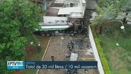 Motorista morre carbonizado após caminhão invadir hotel e pegar fogo