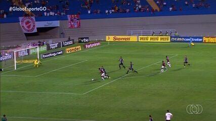 Vila Nova pressiona no fim, mas fica no empate sem gols contra o Operário-PR
