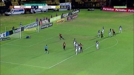 Aos 36' do 2T, Guilherme cobra pênalti e abre o placar para o Sport