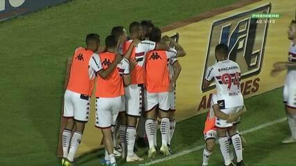 Gol do Botafogo-SP! Zaga do Londrina falha, Henan aproveita e abre o placar, aos 39 do 1º