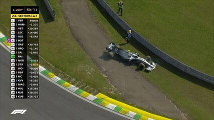 Valtteri Bottas está fora da corrida