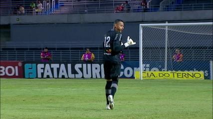 Edson Mardden se machuca após defesaça e é substituído por Fernando Henrique aos 33 do 2º tempo