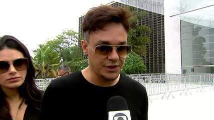 Leandro, do KLB, fala sobre a importância de Gugu Liberato para a banda pop