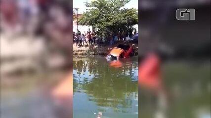Carro cai dentro de canal na Zona Norte de Teresina