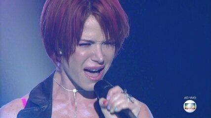 Babi Xavier canta 'Firework'