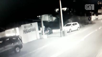 Vídeo mostra assalto a turista norueguês na praia de Búzios, em Nísia Floresta, RN