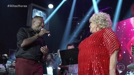 Serginho chama Mumuzinho para cantar com Alcione no palco do 'Altas Horas'
