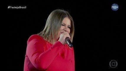 """Marília Mendonça canta """"Bebi Liguei"""""""