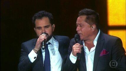 """Leonardo e Zezé Di Camargo & Luciano cantam """"Não Aprendi a Dizer Adeus"""""""