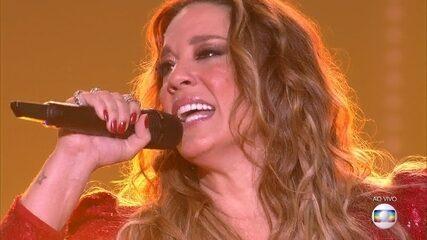 Helga Nemetik canta 'Un-break my Heart' na rodada final do 'PopStar'
